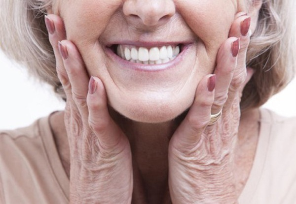 This Houston Elder Dentist Can Help You Get Used to Your Newly Fitted Dentures Faster